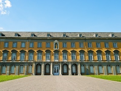 Right click to download: Uni Bonn main building